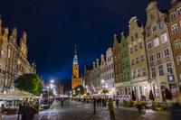ポーランド グダニスク ドゥーギ広場の夜景