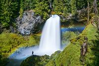アメリカ サハリー滝と虹