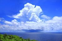 沖縄県 入道雲と降水