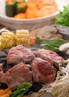 鍋で焼けるジンギスカン 食べ物 料理