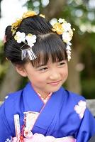 着物の日本人の子供