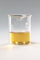コーヒーシュガーが水に溶ける様子 B12-12