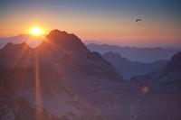 オーストリア 山と夕焼け