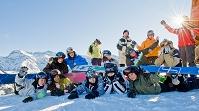 スキーヤーの集合写真