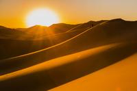モロッコ サハラ砂漠の朝日