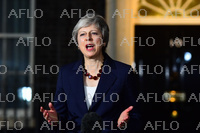 英のEU離脱問題 英政府が離脱協定案を承認