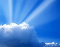 青空の光と雲