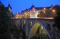 ルクセンブルク 古い街並と要塞群