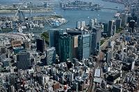新橋駅と汐留周辺より東京港