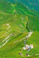 長野県 北アルプスを歩く登山者
