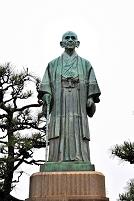 兵庫県 中部幾次郎銅像