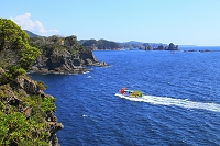 静岡県 石廊崎岬をめぐる伊豆クルーズ船