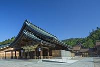 島根県 出雲大社の拝殿と本殿