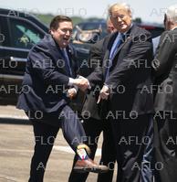 トランプ大統領を「トランプソックス」で歓迎