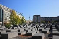 ドイツ・ベルリン ホロコースト記念碑とベルリンテレビ塔