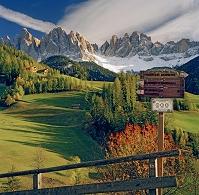 イタリア ボルツァーノ フーネス オドレ山群