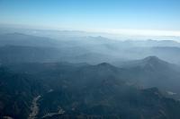 幻想的な奈良曽爾高原の山並み