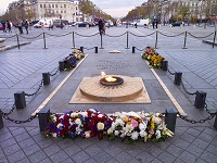 フランス 凱旋門下の「永遠の炎」