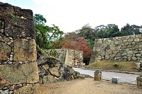 兵庫県 姫路城跡 清水門跡より北勢隠門を見る