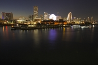 神奈川県 横浜 みなとみらいの夜景 大桟橋