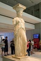 アテネ アクロポリス博物館 エレクティオンのカリアティデスと...