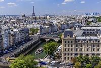 パリ 市街 セーヌ河 奥:エッフェル塔 俯瞰