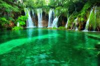 クロアチア プリトビチェ湖群の滝