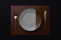 和皿とカトラリー
