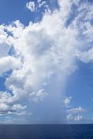 沖縄県 慶良間諸島 入道雲 スコール