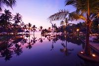 インドネシア プールサイド 夕焼け