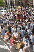 巣鴨 お祭り 神輿行列