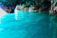 岩手県 浄土ヶ浜 青の洞窟