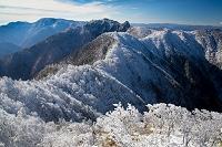 日本 奈良県 大峰山 山上ヶ岳より稲村ケ岳と弥山