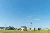 北海道 緑の草原と新興住宅地