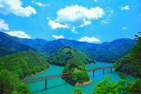 静岡県 初夏の接岨峡 奥大井湖上駅