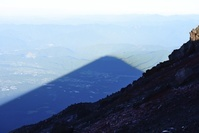 静岡県・山梨県 富士山山頂より影富士