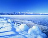 北海道・屈斜路湖 しぶき氷とフロストフラワー(霜の花)