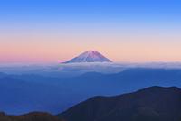 櫛形山より赤富士遠望