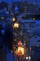京都府 祇園祭後祭 新町通に並ぶ宵山の山