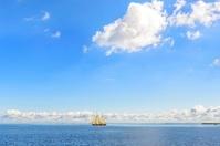 アメリカ合衆国 海を航行する帆船