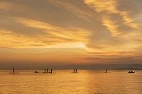 滋賀県 スタンドアップパドルボード(SUP)と琵琶湖夕焼け