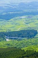 大分県 瀬の本高原から丘と山