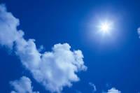 沖縄県 太陽と雲