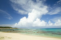 鹿児島県 リーフに囲まれた遠浅の土盛海岸