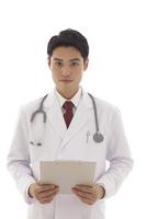 ファイルを持つ医師