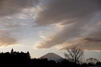 静岡県 御殿場市 たなびく雲と富士山