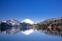 神奈川県 芦ノ湖と富士山