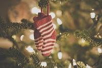 クリスマスツリーに飾られてる靴下