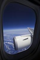 旅客機 翼と雲海