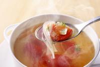 タマネギとトマトのコンソメスープ